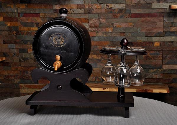 怎么区分红酒是不是用橡木酒桶酿造的